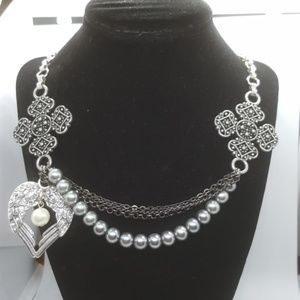 Jewelry - Renaissance Style Necklace